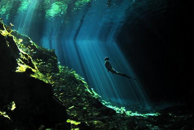 rayo de esperanza (© Aaron Wong/National Geographic Photo Contest).